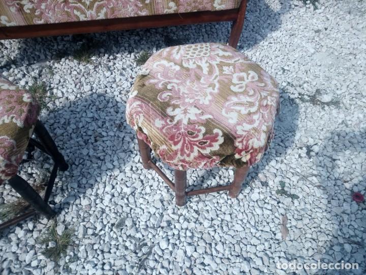 Antigüedades: Antiguo sofá de respaldo alto con 2 banquetas reposa pies a juego,estilo victoriano,siglo xix - Foto 6 - 197242585