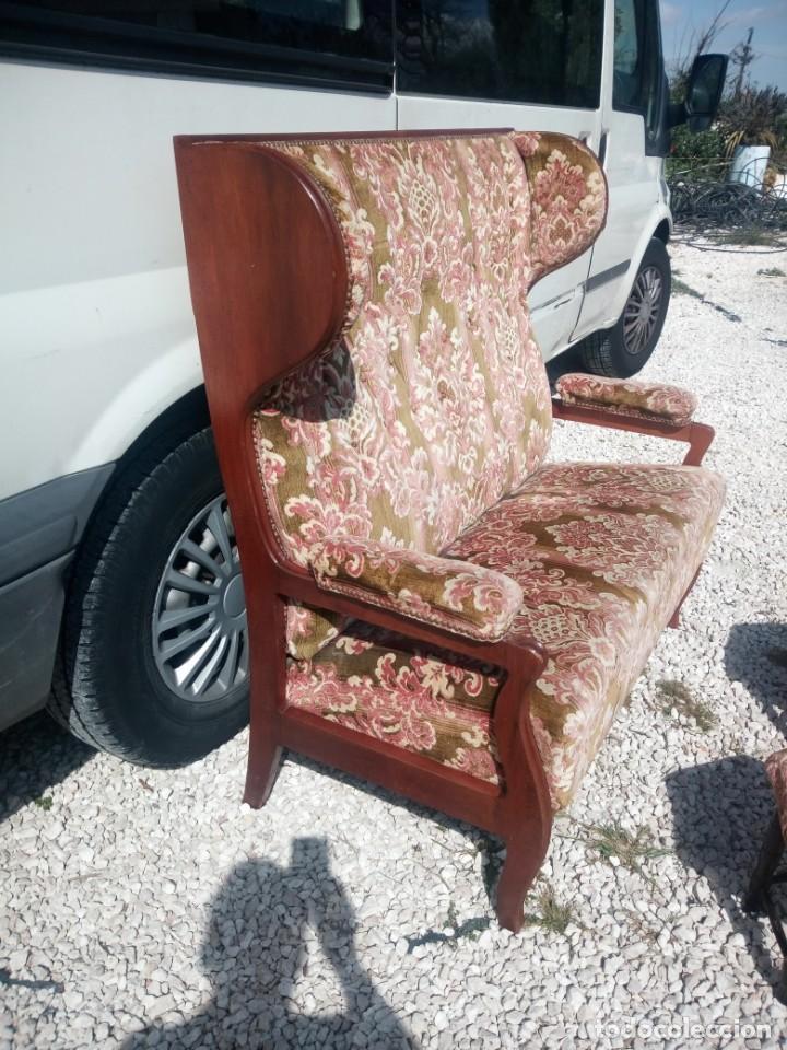 Antigüedades: Antiguo sofá de respaldo alto con 2 banquetas reposa pies a juego,estilo victoriano,siglo xix - Foto 10 - 197242585