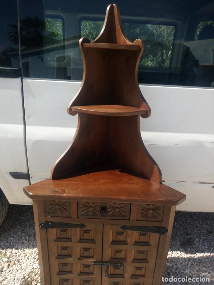 Antigüedades: Antiguo armario rinconera,estilo castellano madera maciza. - Foto 4 - 197243403