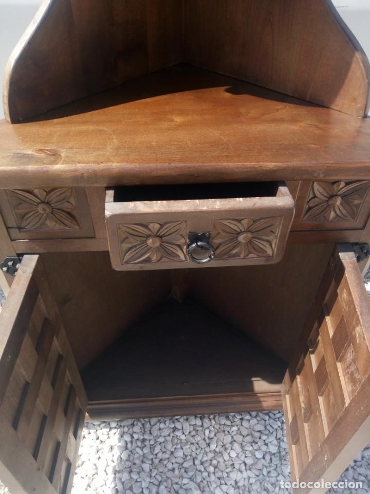 Antigüedades: Antiguo armario rinconera,estilo castellano madera maciza. - Foto 9 - 197243403