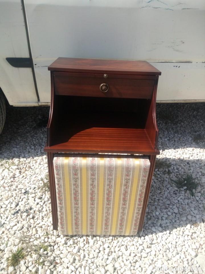 Antigüedades: Antigua mesa asiento para teléfono con una bandeja y un cajón,madera noble años 40 - Foto 5 - 197243690