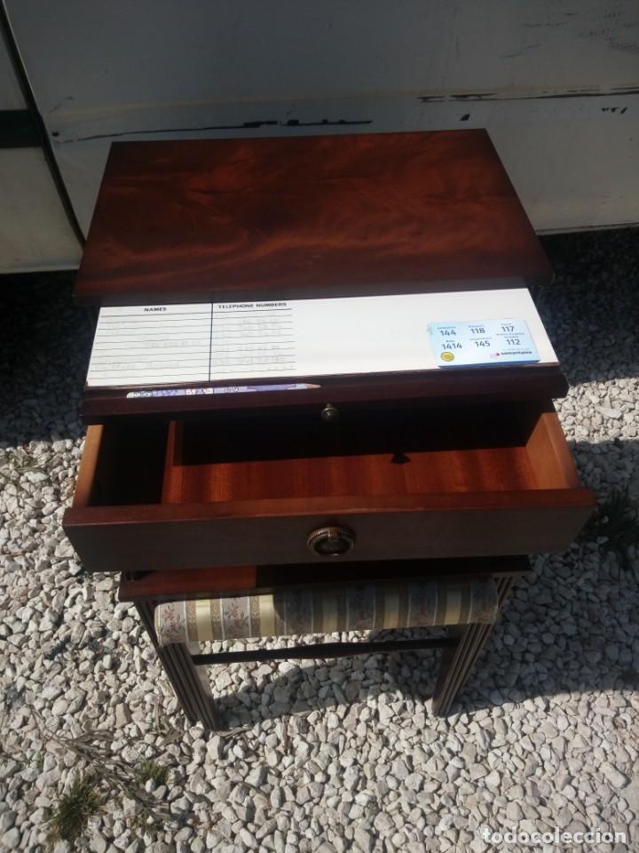 Antigüedades: Antigua mesa asiento para teléfono con una bandeja y un cajón,madera noble años 40 - Foto 6 - 197243690