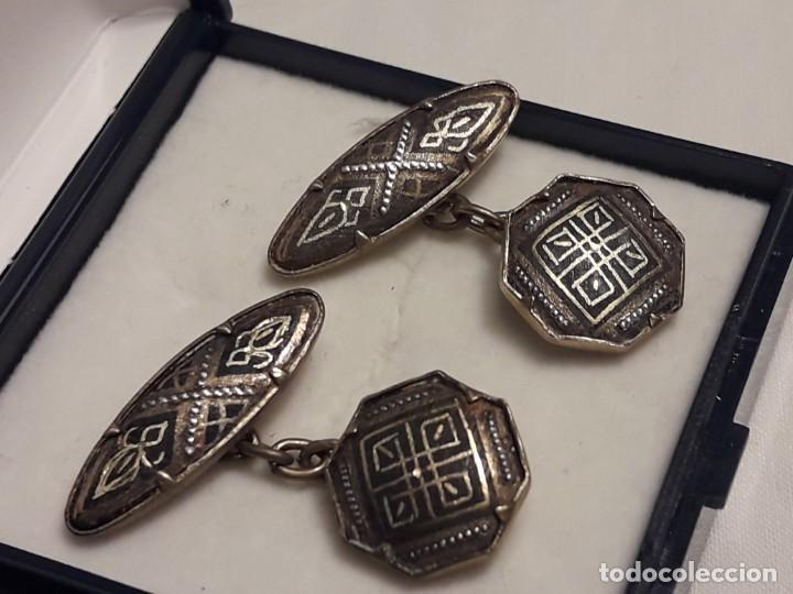 Antigüedades: Bellos antiguos gemelos de oro damasquinado Toledo - Foto 3 - 197254090