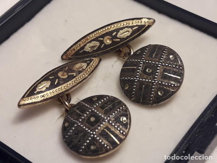 Antigüedades: Bellos antiguos gemelos de oro damasquinado Toledo - Foto 4 - 197254162