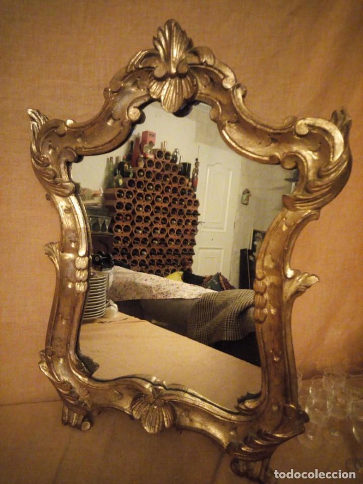 Antigüedades: Antiguo espejo isabelino,marco de madera pintado en dorado. - Foto 5 - 197261838