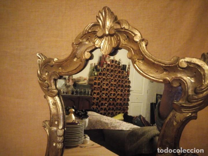 Antigüedades: Antiguo espejo isabelino,marco de madera pintado en dorado. - Foto 6 - 197261838