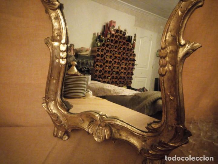 Antigüedades: Antiguo espejo isabelino,marco de madera pintado en dorado. - Foto 7 - 197261838
