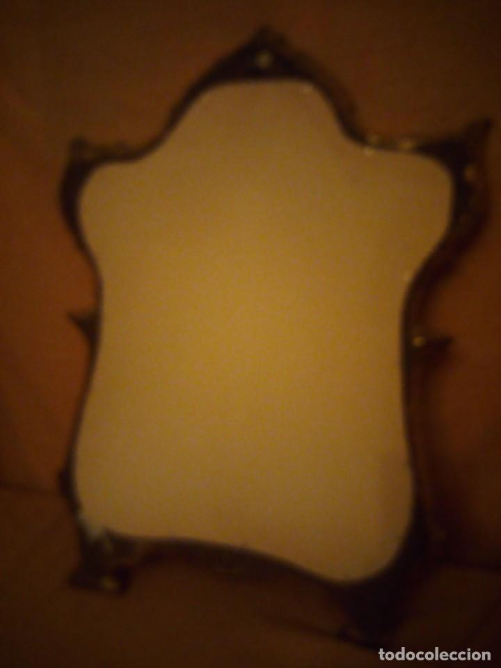 Antigüedades: Antiguo espejo isabelino,marco de madera pintado en dorado. - Foto 10 - 197261838