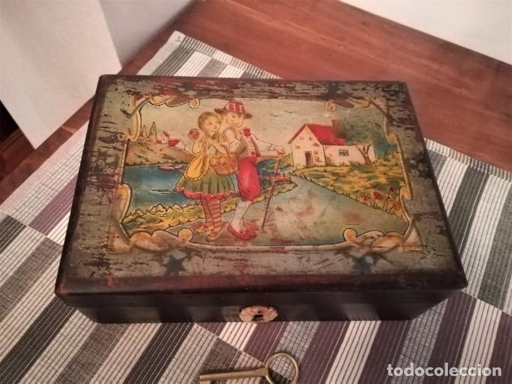 Antigüedades: Caja de madera pintada a mano de finales del SXIX o principios del SXX - Foto 2 - 197284430