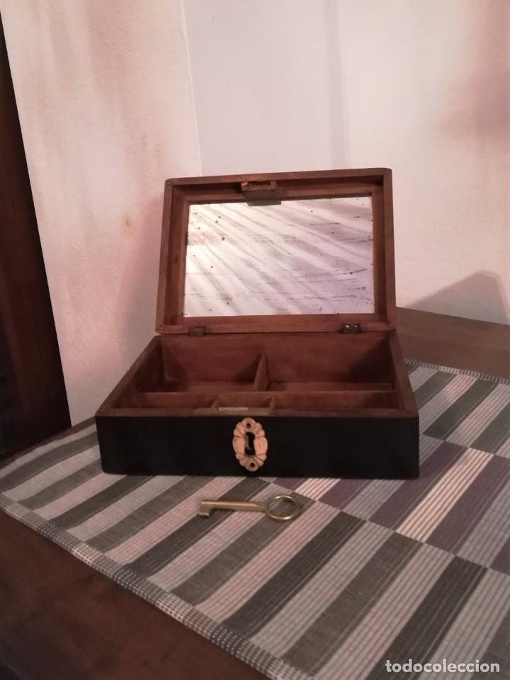 Antigüedades: Caja de madera pintada a mano de finales del SXIX o principios del SXX - Foto 5 - 197284430