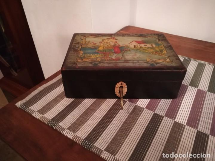 Antigüedades: Caja de madera pintada a mano de finales del SXIX o principios del SXX - Foto 6 - 197284430