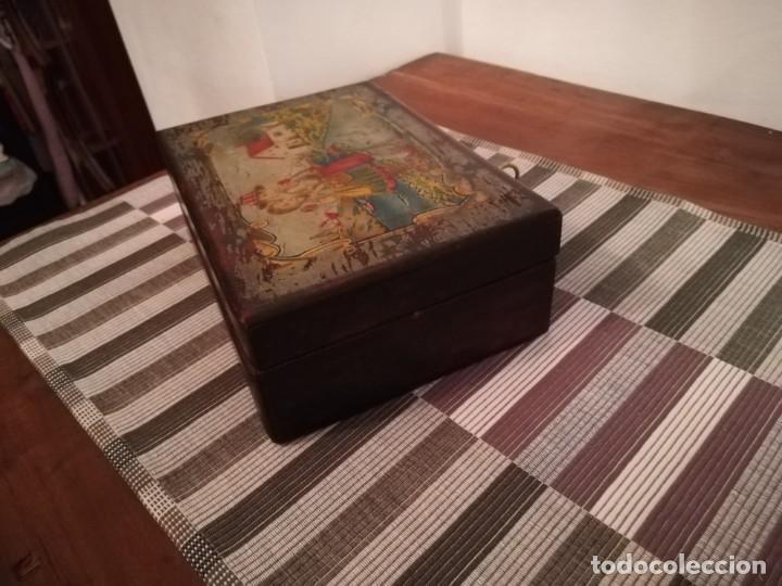 Antigüedades: Caja de madera pintada a mano de finales del SXIX o principios del SXX - Foto 9 - 197284430