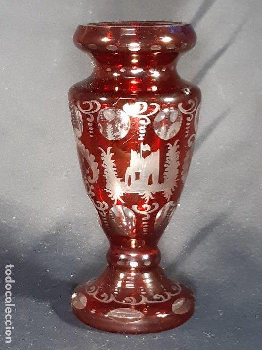JARRÓN. TALLADO Y GRABADO. BOHEMIA. SIGLO XIX. (Antigüedades - Cristal y Vidrio - Bohemia)