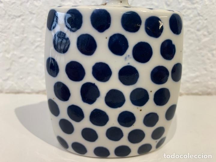 Antigüedades: Snuff bottle perfumero en porcelana blanca y azul, asiático. Principios del siglo XX. - Foto 7 - 197299843