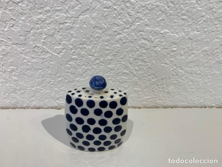 Antigüedades: Snuff bottle perfumero en porcelana blanca y azul, asiático. Principios del siglo XX. - Foto 8 - 197299843