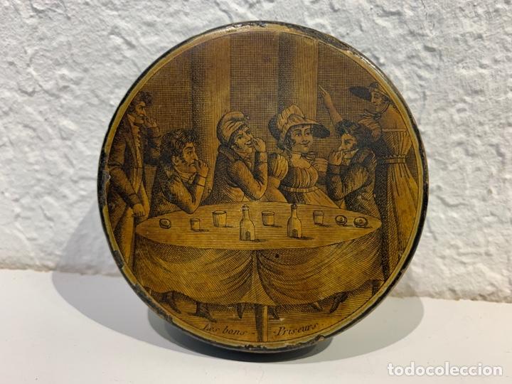 CAJA TABAQUERA EN PAPIER MARCHÉ. FRANCIA. PRINCIPIOS SIGLO XIX. (Antigüedades - Hogar y Decoración - Cajas Antiguas)