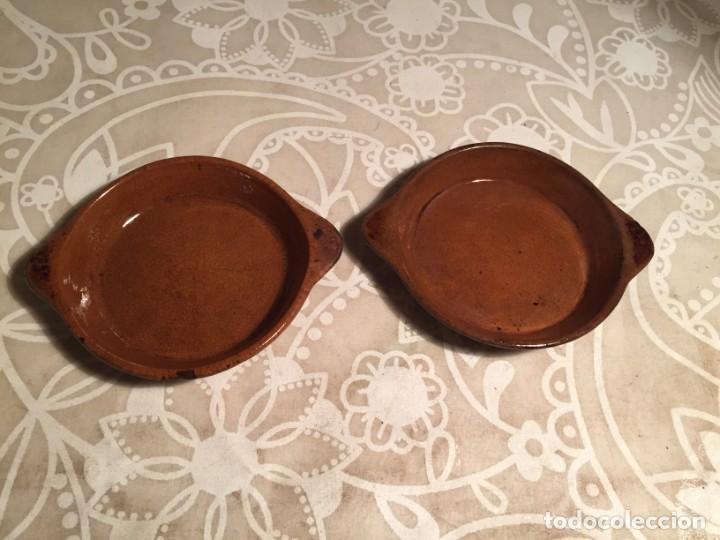 ANTIGUOS 2 TARRINAS / PLATOS DE CERAMICA MARRÓN POPULAR CATALANA PEQUEÑO AÑOS 40-50 (Antigüedades - Porcelanas y Cerámicas - Catalana)