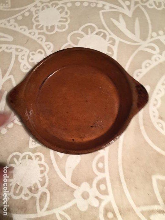 Antigüedades: Antiguos 2 tarrinas / platos de ceramica marrón popular Catalana pequeño años 40-50 - Foto 6 - 197365810