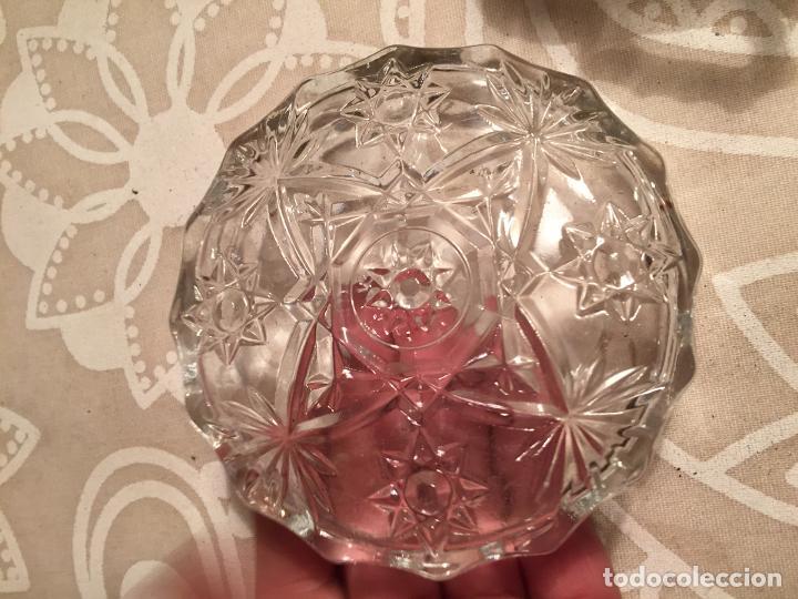 Antigüedades: Antiguo plato y cuenco de cristal prensado de tocador o similar años 50-60 - Foto 7 - 197371405