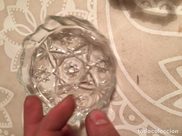 Antigüedades: Antiguo plato y cuenco de cristal prensado de tocador o similar años 50-60 - Foto 8 - 197371405