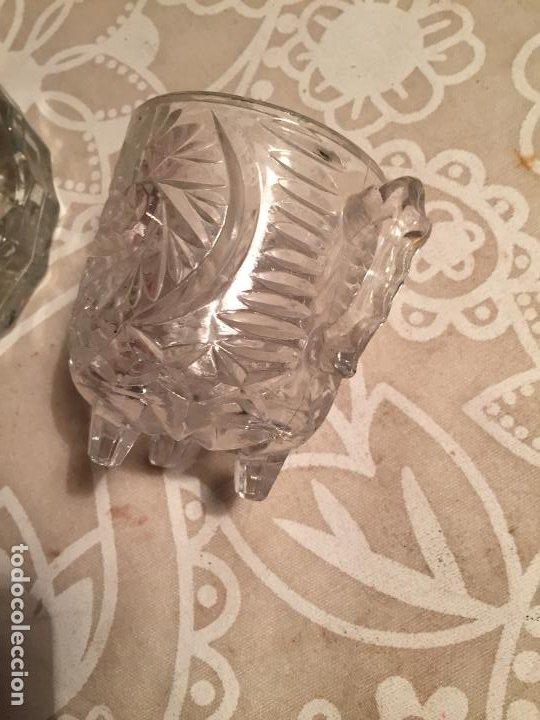 Antigüedades: Antiguo plato y cuenco de cristal prensado de tocador o similar años 50-60 - Foto 9 - 197371405