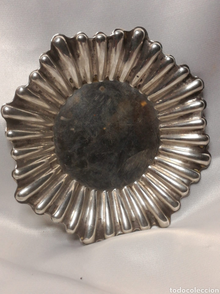 Antigüedades: Antigua bandeja pequeña plata de ley - Foto 2 - 197372115