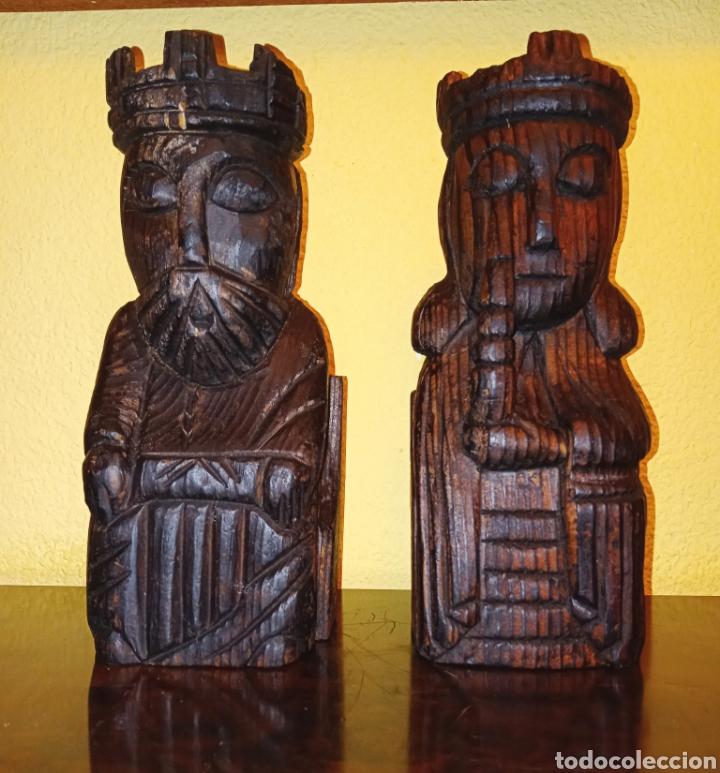 DOS TALLAS EN MADERA - REY Y REINA - (Antigüedades - Hogar y Decoración - Figuras Antiguas)