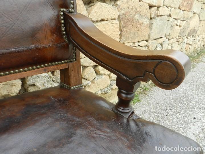 Antigüedades: IMPRESIONANTE ASIENTO TRESILLO EN MADERA Y CUERO SIGLO XVIII - Foto 15 - 197476465