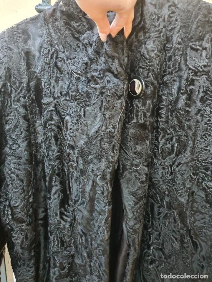Antigüedades: Antiguo abrigo de astracán, largo, muy buena conservación - Foto 5 - 197591992