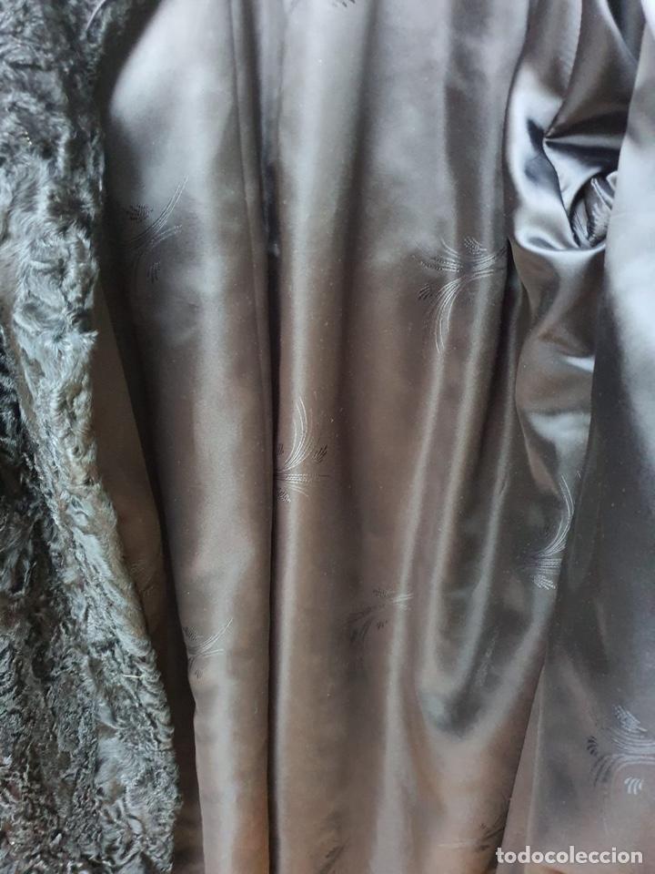Antigüedades: Antiguo abrigo de astracán, largo, muy buena conservación - Foto 7 - 197591992