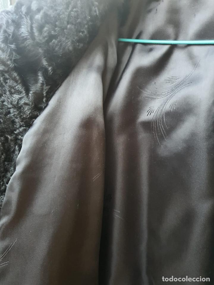 Antigüedades: Antiguo abrigo de astracán, largo, muy buena conservación - Foto 14 - 197591992