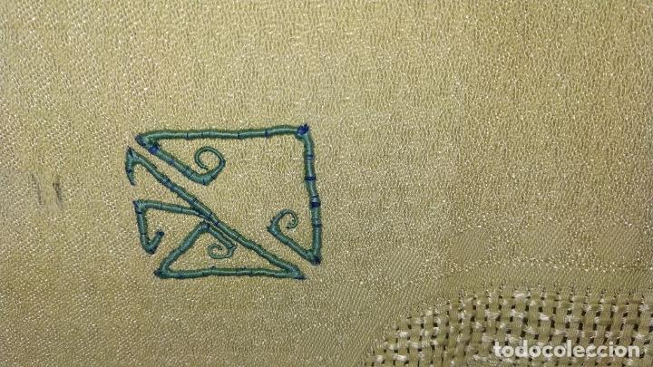 Antigüedades: GRAN MANTELERIA DE 12 SERVICIOS. CREPE DAMASCO DE LINO Y VISCOSA. ESPAÑA. CIRCA 1900 - Foto 16 - 197742055