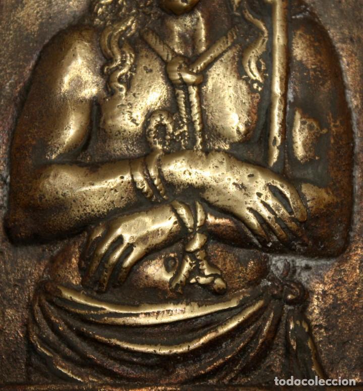 Antigüedades: PORTAPAZ O PLACA DEVOCIONARIA DEL ECCE HOMO EN BRONCE. PRINCIPIOS SIGLO XIX - Foto 3 - 197788081