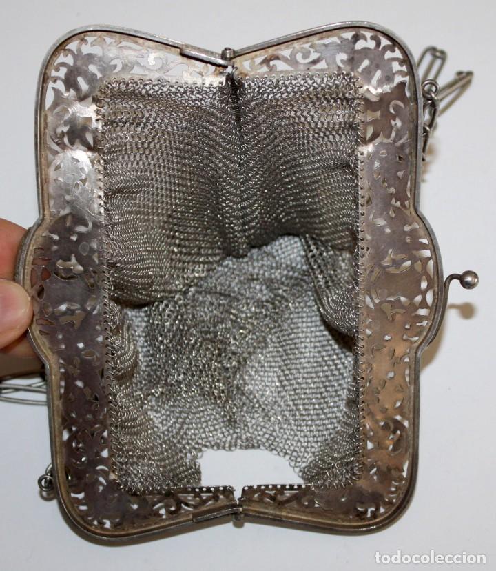 Antigüedades: INTERESANTE BOLSO ISABELINO DE MALLA EN PLATA DE LEY. MEDIADOS SIGLO XIX. MONEDERO - Foto 4 - 197789386