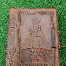 Antigüedades: FUNDA PIEL DE COVADONGA PARA BIBLIA MUY ANTIGUA. Lote 197806620
