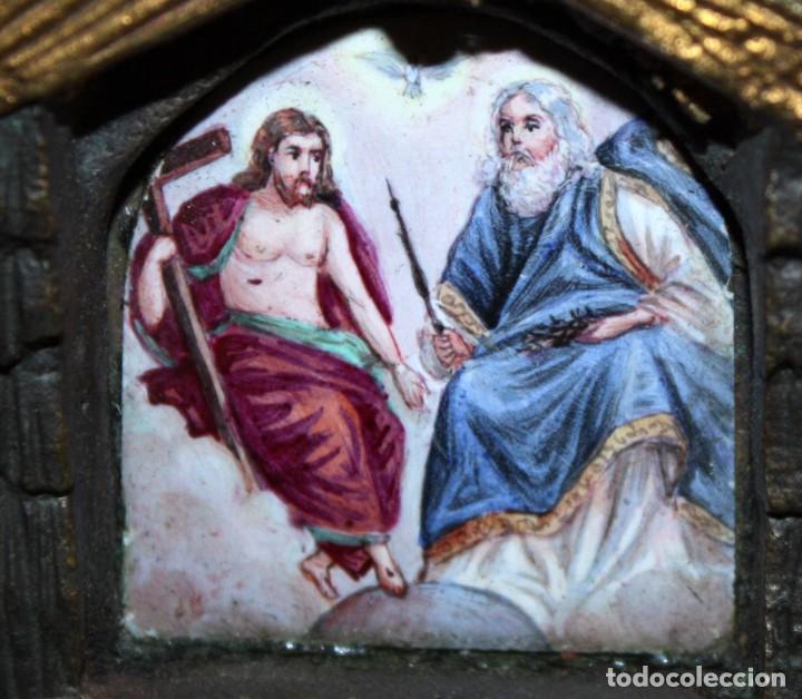 Antigüedades: ORATORIO DE SOBREMESA O SIMILAR EN BRONCE Y ESMALTE PINTADO RELIGIOSO - Foto 2 - 197810196