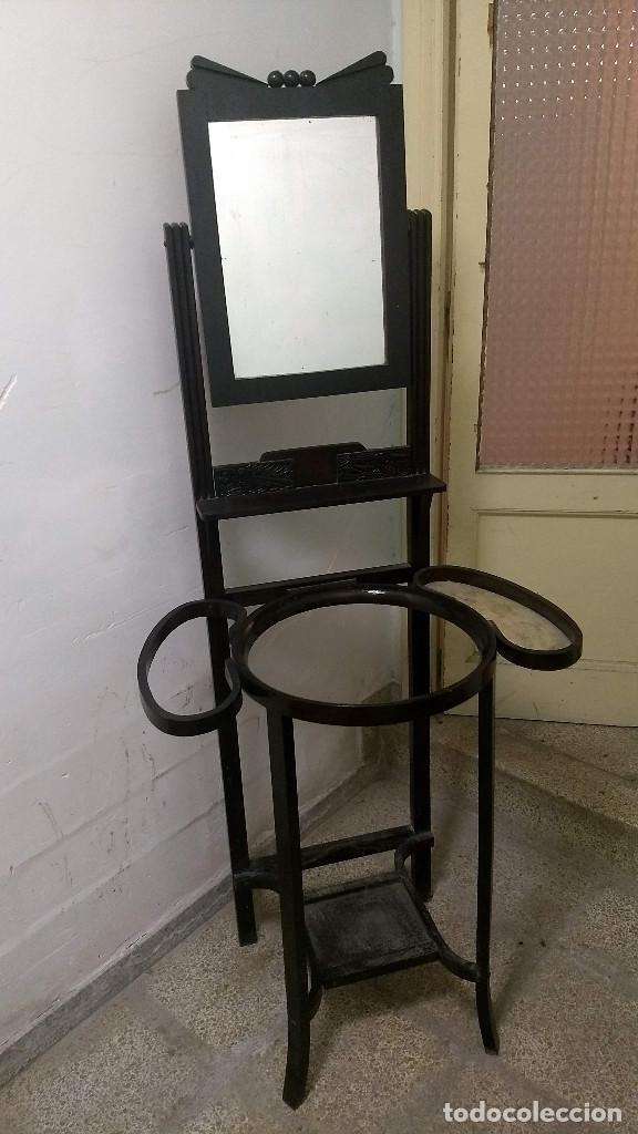Antigüedades: Antiguo mueble lavamanos. Con Jofaina, aguamanil y espejo original. Principios del Siglo XX - Foto 2 - 197844547