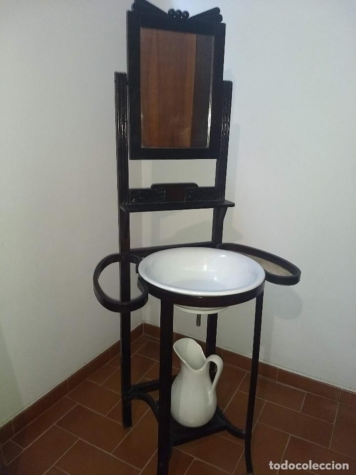 Antigüedades: Antiguo mueble lavamanos. Con Jofaina, aguamanil y espejo original. Principios del Siglo XX - Foto 4 - 197844547