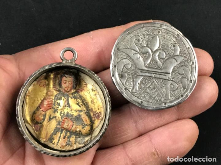 Antigüedades: MUY ANTIGUO RELICARIO DEVOCIONARIO EN PLATA REPUJADA Y RELIEVE DE BULTO VIRREINATO MEXICO SG XVII - Foto 13 - 197965780