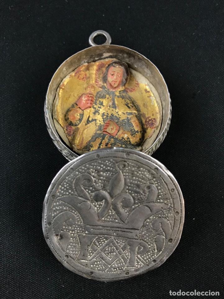 Antigüedades: MUY ANTIGUO RELICARIO DEVOCIONARIO EN PLATA REPUJADA Y RELIEVE DE BULTO VIRREINATO MEXICO SG XVII - Foto 17 - 197965780