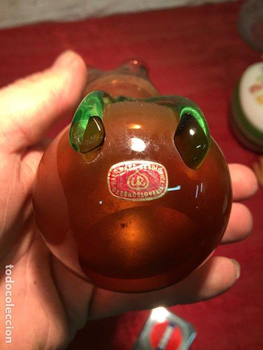 Antigüedades: Antiguo pequeño jarrón / florero de cristal soplado a mano años 60-70 - Foto 3 - 198025787