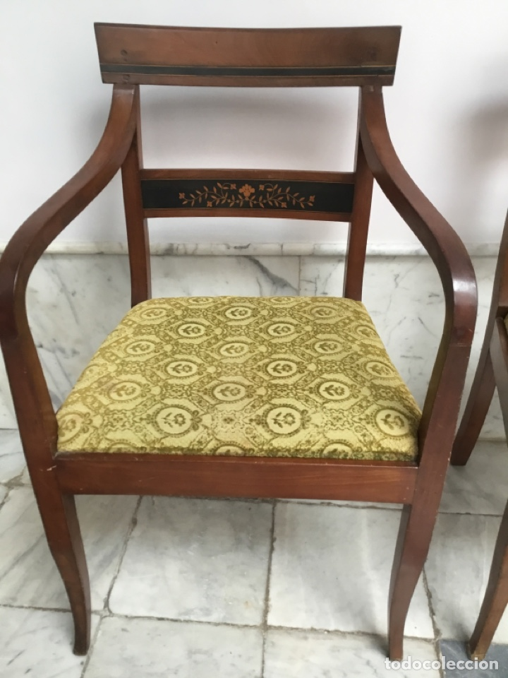 Antigüedades: Pareja de sillas con brazos con adornos de marquetería - Foto 2 - 198036181