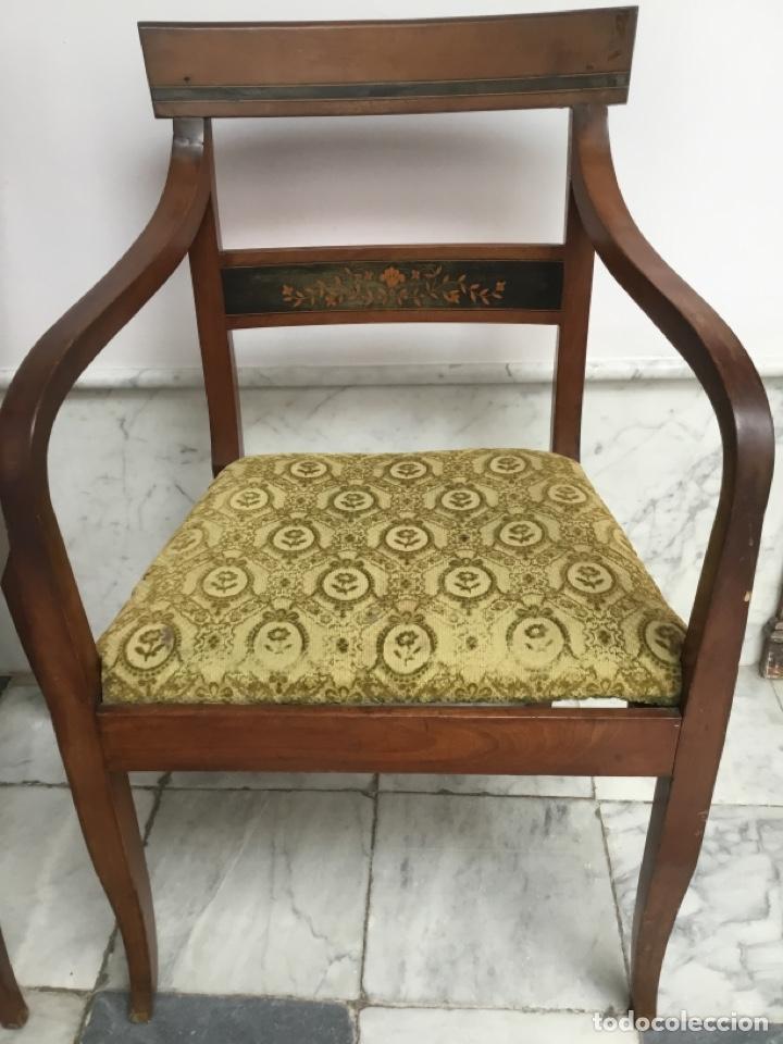 Antigüedades: Pareja de sillas con brazos con adornos de marquetería - Foto 3 - 198036181