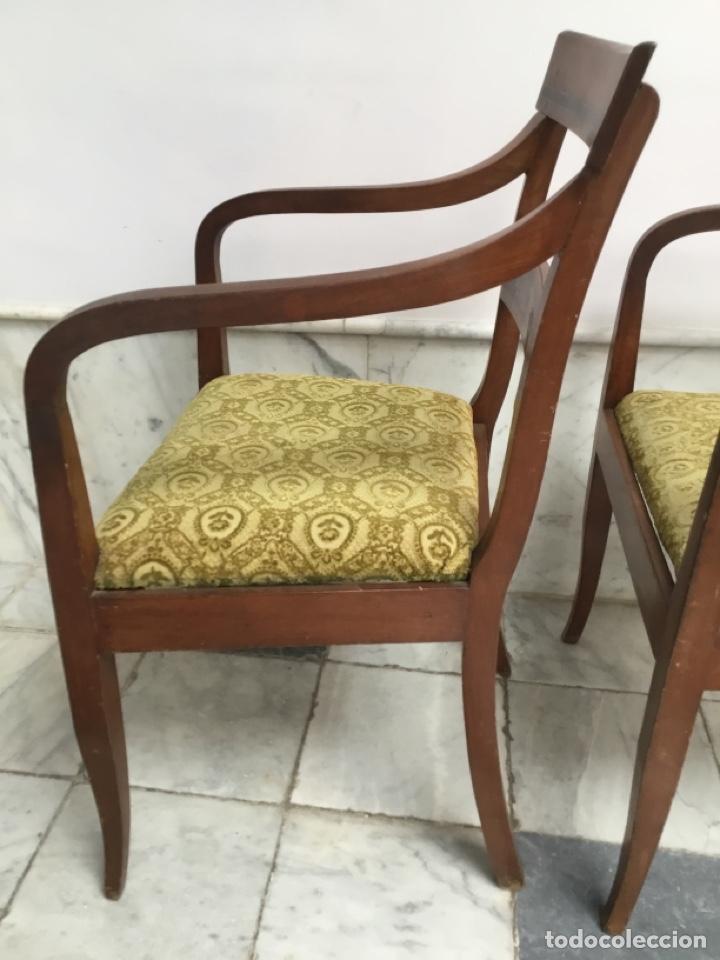 Antigüedades: Pareja de sillas con brazos con adornos de marquetería - Foto 4 - 198036181