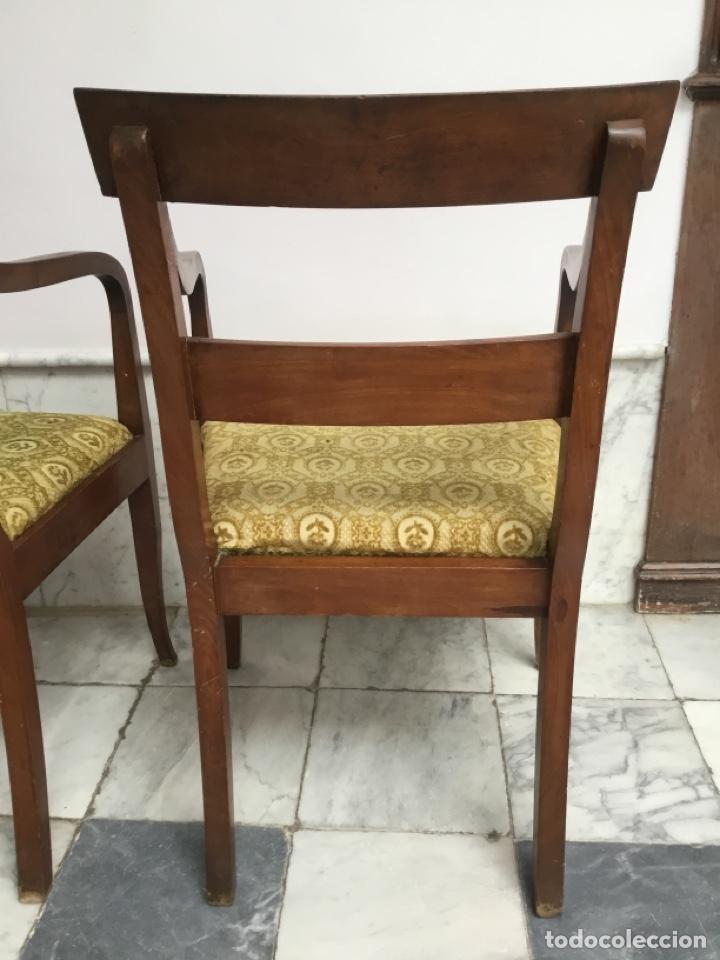 Antigüedades: Pareja de sillas con brazos con adornos de marquetería - Foto 7 - 198036181