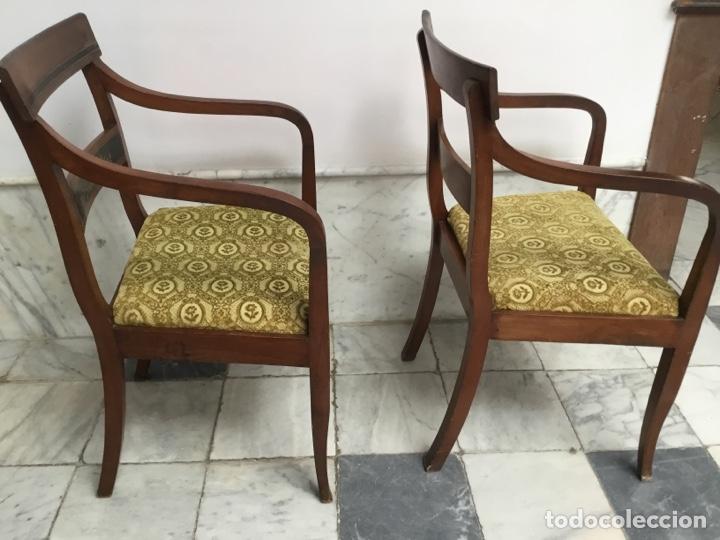 Antigüedades: Pareja de sillas con brazos con adornos de marquetería - Foto 8 - 198036181