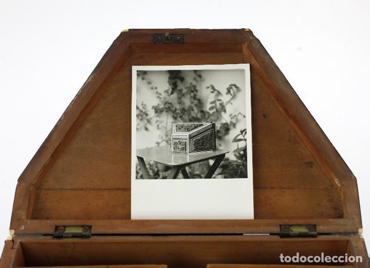 Antigüedades: CAJA TAREJETERO ORIENTAL, TALLADA EN MADERA, 15x24,5x15cm. Ver fotos anexas - Foto 8 - 198135007