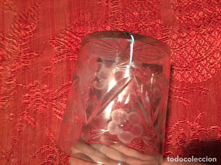 Antigüedades: Antiguo cuenco / recipiente de cristal tallado a mano de los años 40-50 - Foto 6 - 198140025