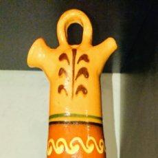 Antigüedades: BOTIJO DE BARRO DECORACIÓN. Lote 198173052