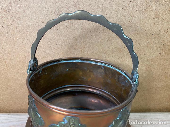 Antigüedades: Olla de cobre o laton decorada con incrustaciones metalica estilo oriental - 16 cm de diametro - Foto 2 - 198205425